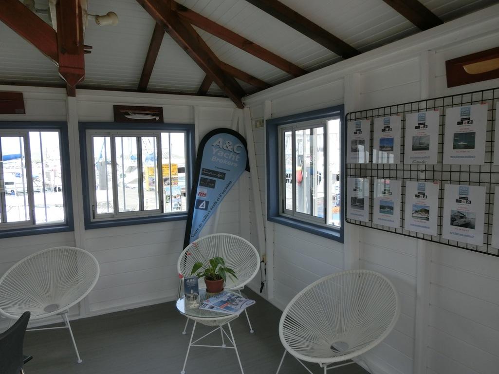 Notre nouveau bureau de vente sur le port du Marin