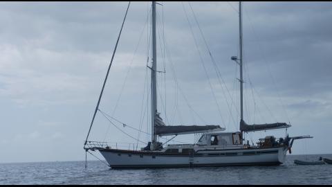Irwin Yacht Irwin 65 : Au mouillage
