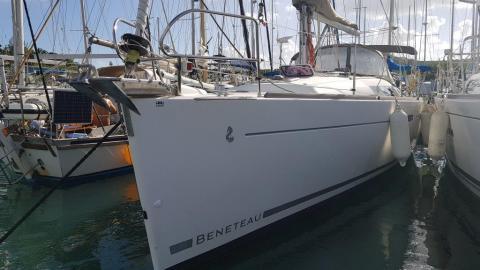 Bénéteau Oceanis 37 :