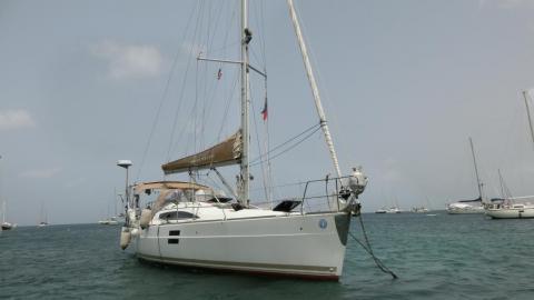 Elan 40 Impression : Au mouillage en Martinique
