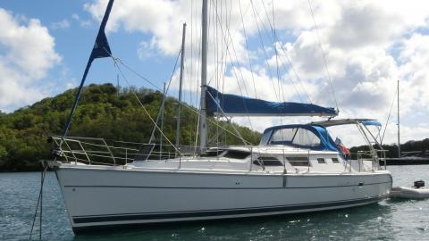 Hunter 44 DS : Au mouillage en Martinique