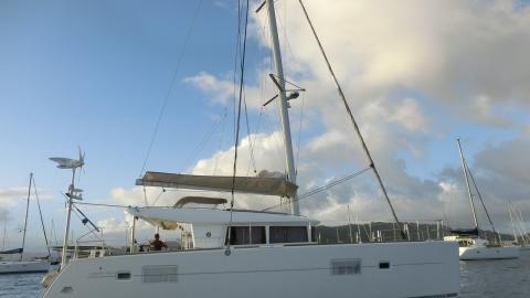 Lagoon 400: Mouillage du Marin en Martinique
