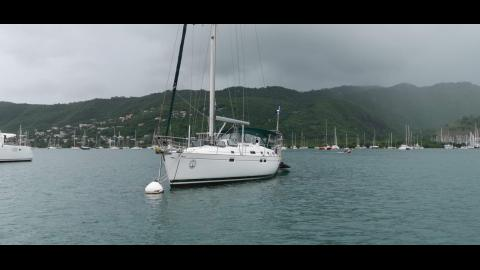 Bénéteau Oceanis 461 : Sur corps mort en Martinique
