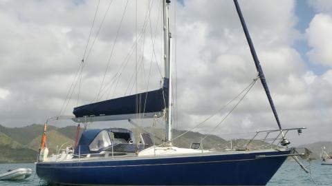 Marine Projects  Sigma 41 # 4 : Au mouillage en Martinique