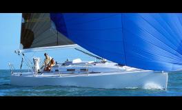 J-Boats - J-Composites J 109 en navigation sous spinnaker asymétrique