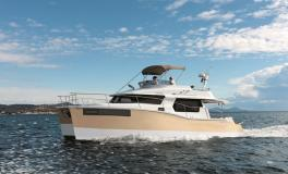 Fountaine Pajot Motor Yachts Summerland 40 navigation