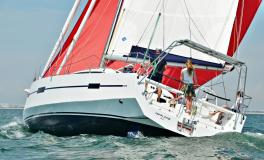 RM Yachts RM 1370: Navigation sous spinnaker