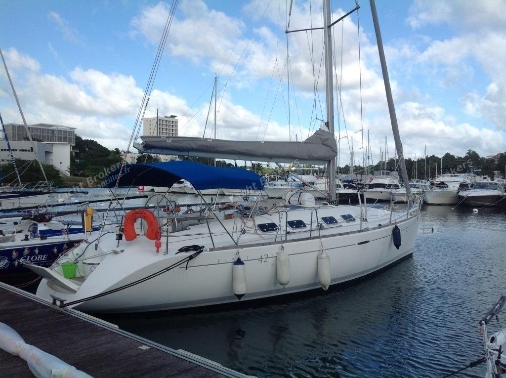 vendu b n teau first 42 s7 occasion 506 a c yacht brokers acheter ou vendre votre bateau. Black Bedroom Furniture Sets. Home Design Ideas