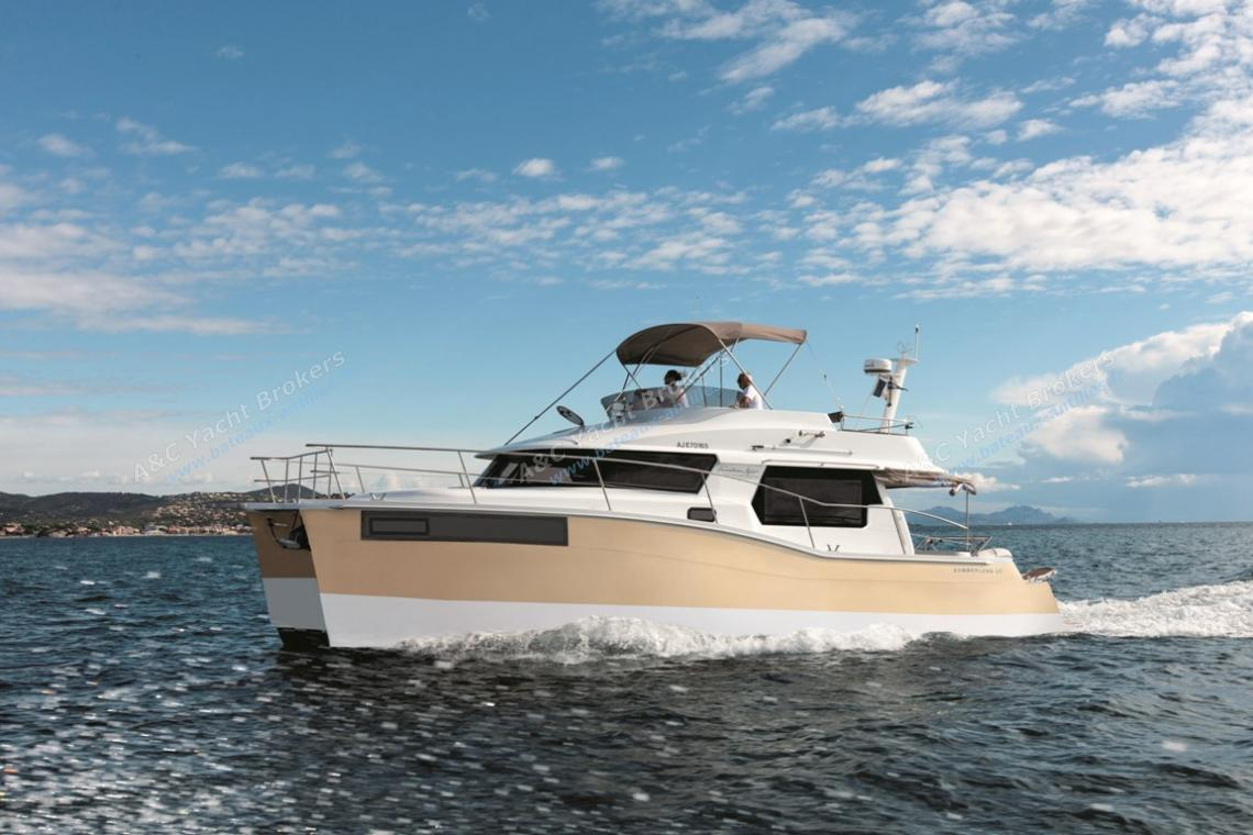 Fountaine Pajot Motor Yachts Summerland 40 navigating