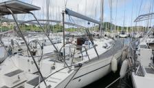 Sun Odyssey 51: En marina