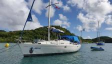 Bénéteau Oceanis 381 : Au mouillage en Martinique