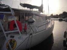 A quai en marina - Dufour Atoll 43, Occasion (1999) - Guadeloupe (Ref 359)