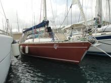 First 35: En marina