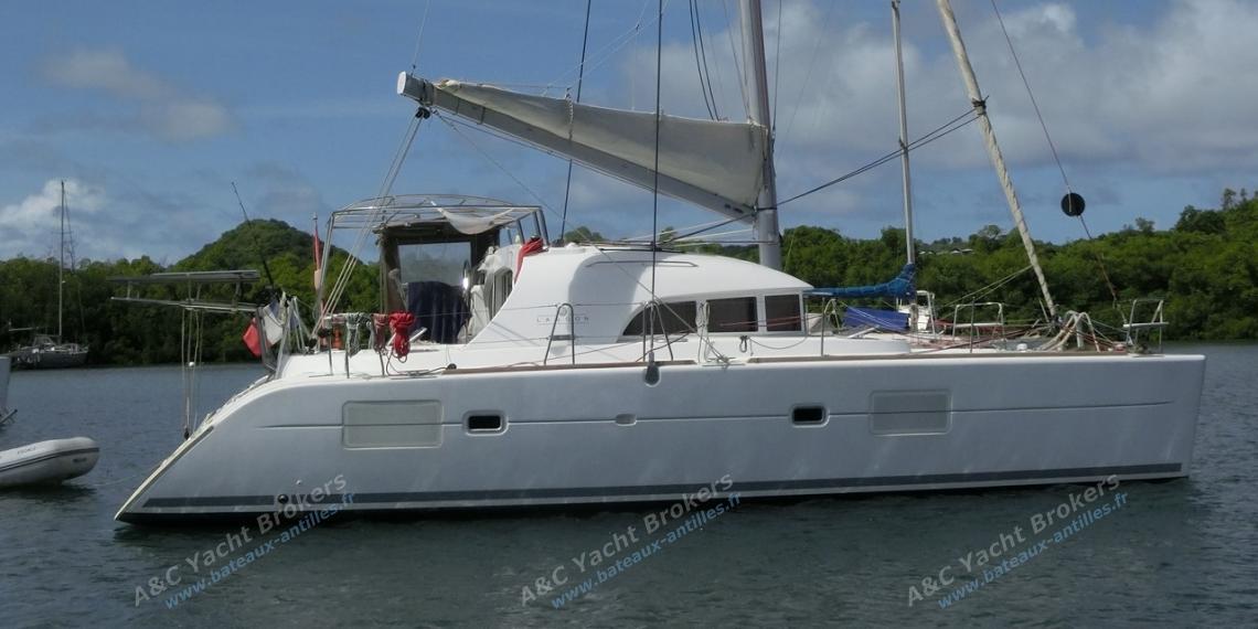 Lagoon 380 S2: Au mouillage en Martinique