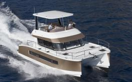 Fountaine Pajot Motor Yachts MY 37 en navigation